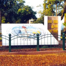 El Monumento al Escudo del Partido de Coronel Rosales.